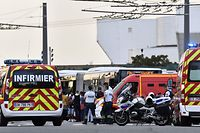 Emergency services are at work in Villeurbanne on the ouskirts of Lyon, south-eastern France on August 31, 2019, after a knife attack which has left one dead and six injured. - Two men, one armed with a knife and the other with a skewer, carried out the attack in Villeurbanne in southeastern France, the official said, without giving further details on the motive for the stabbing. (Photo by PHILIPPE DESMAZES / AFP)