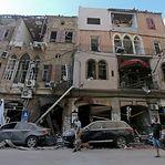Residentes de Beirute criticam Governo e exigem respostas sobre as explosões que arrasaram a cidade