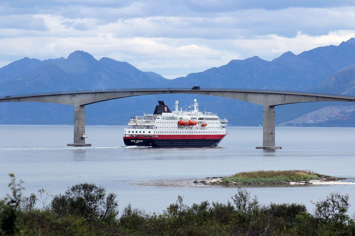 Postschiff auf Kurs: Die Hurtigruten-Schiffe laufen drei Häfen der Vesterålen an.