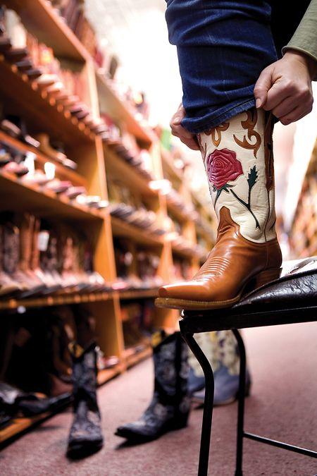 Texanisches Schuhwerk: Stiefel in allen Variationen gibt es in Austin zumBeispiel bei Allens Boots.