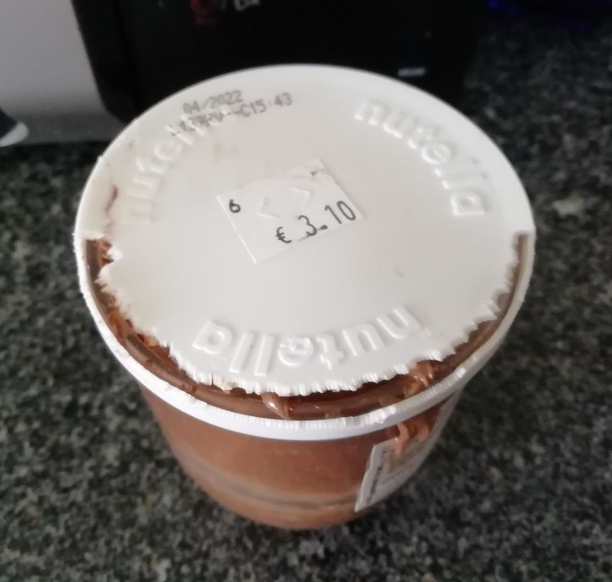 Plastic lid is no match for French mice
