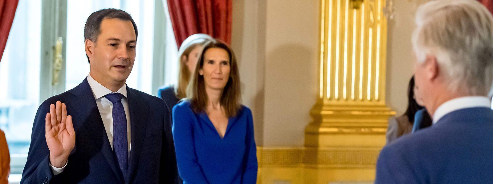 En octobre 2020, Alexander De Croo prêtait serment devant le roi Philippe de Belgique.