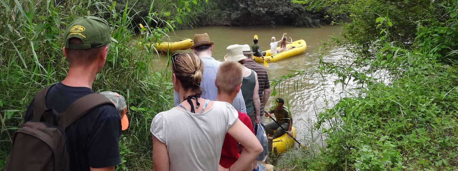 Die Schlauchboot-Tour auf dem Sok-Fluss im Khao-Sok-Nationalpark führt durch unberührte Natur.