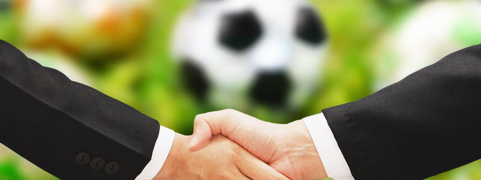 Im Luxemburger Fußball gibt es zwei Arten von Verträgen.