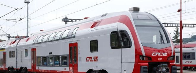 Der neue KISS der CFL: Regelmäßig fallen Züge ganz aus. Bahnfahrer erfahren das teilweise erst im letzten Moment.