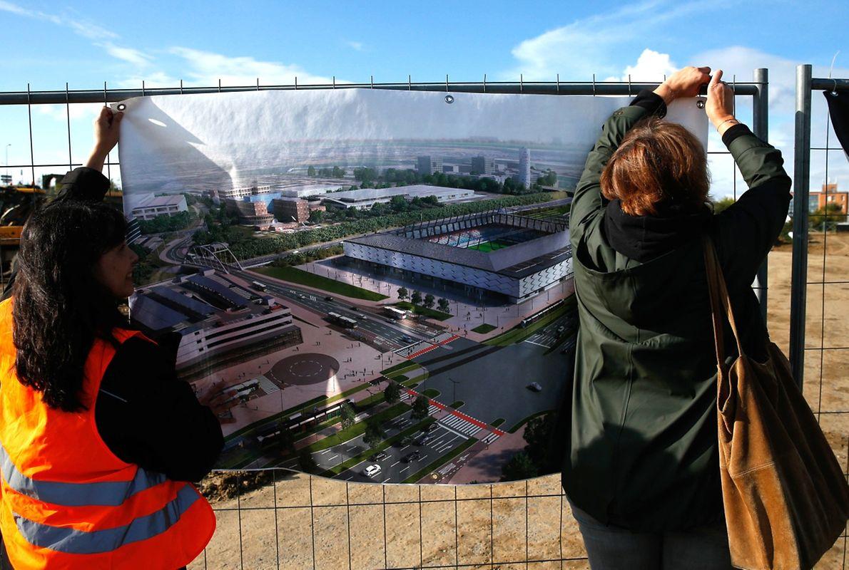 Ab Montagabend ist der erste offizielle Spatenstich für das neue nationale Stadion nun Geschichte.