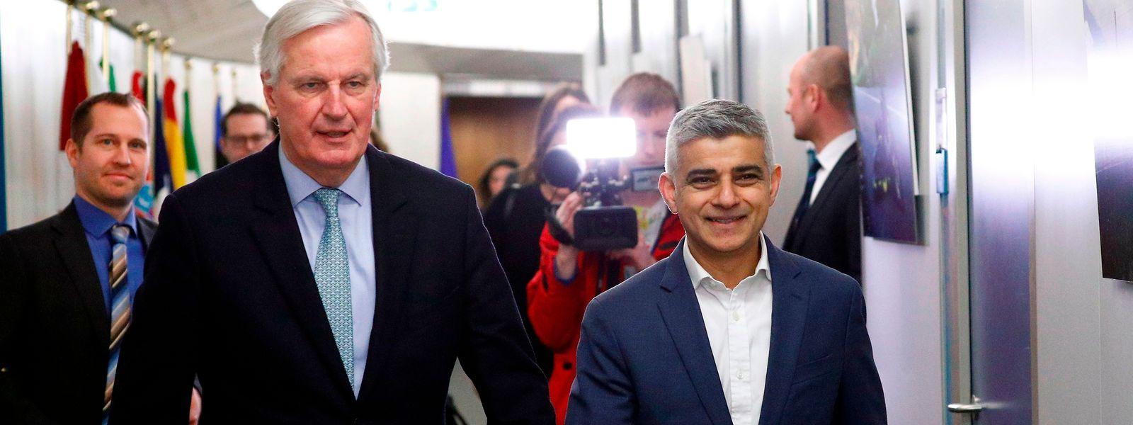 Le mandat de négociateur de Michel Barnier (à g.) a été clarifié sur tous les points où c'était nécessaire