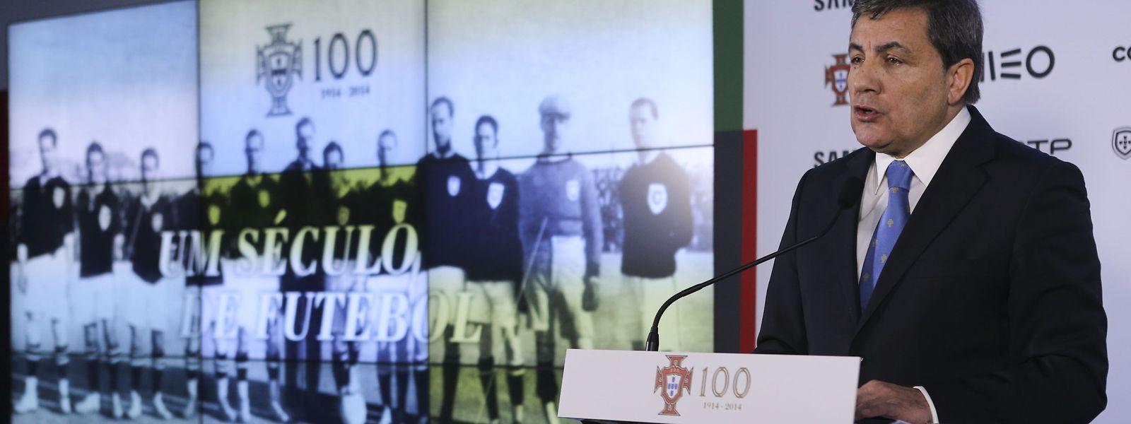 Fernando Gomes, que foi cooptado para o Comité Executivo em 2013 e eleito dois anos depois, é o quarto português no órgão de cúpula da UEFA e será, no final do mandato, o que mais tempo terá permanecido no cargo, que também já foi ocupado por Cazal-Ribeiro (1968), Silva Resende (1984) e Gilberto Madaíl (2007).