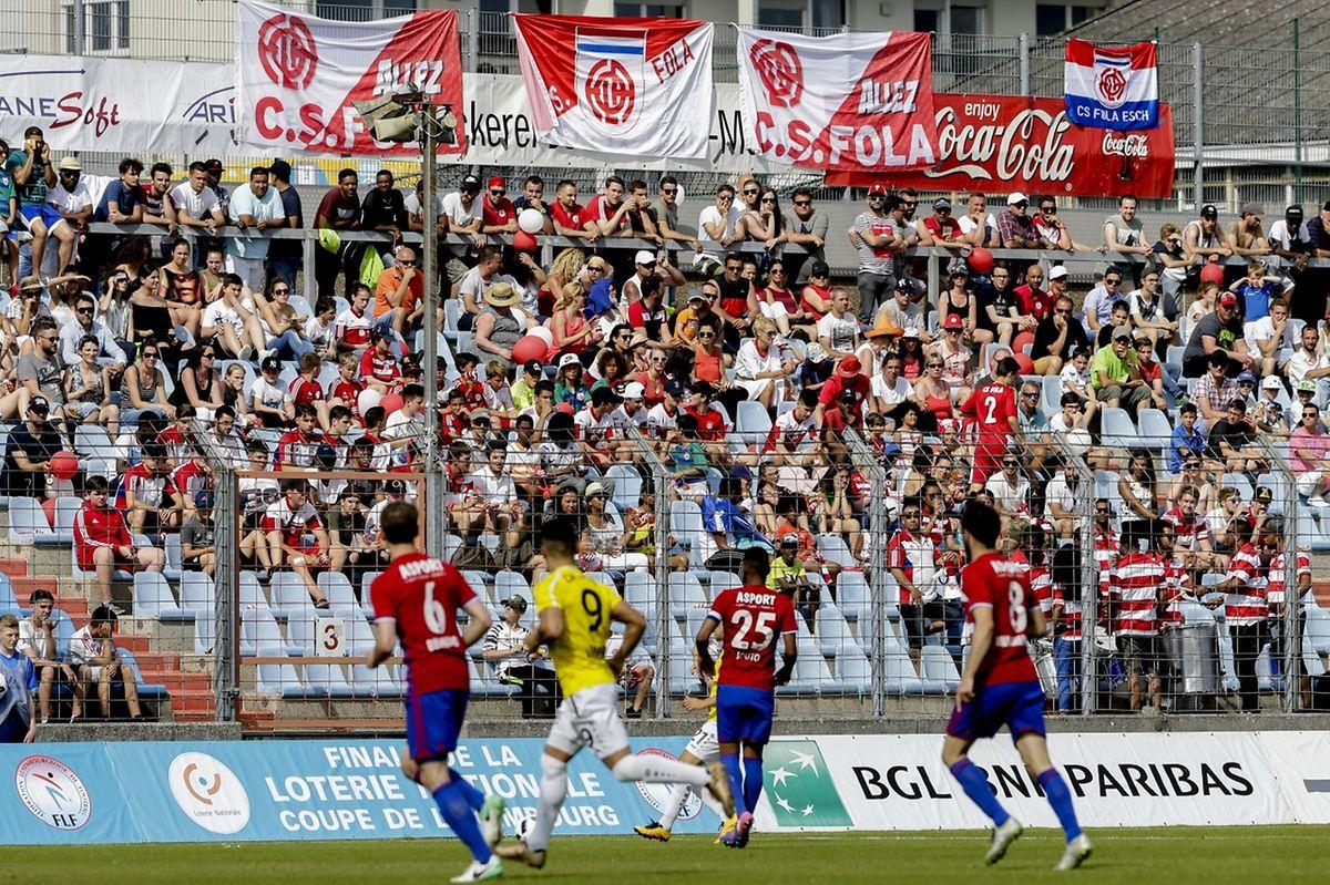 Les supporters du Fola ont gagné le match des tribunes.