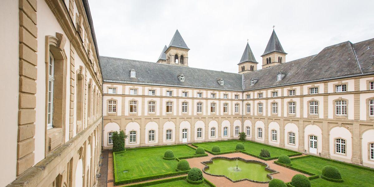 """Das Jungeninternat der """"Institution Saint-Willibrord"""" in Echternach."""