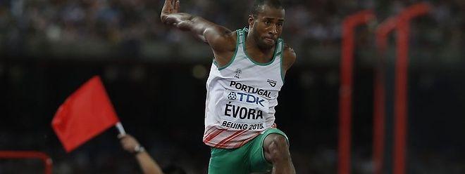 Nelson Évora é um dos candidatos ao pódio no tripo salto.