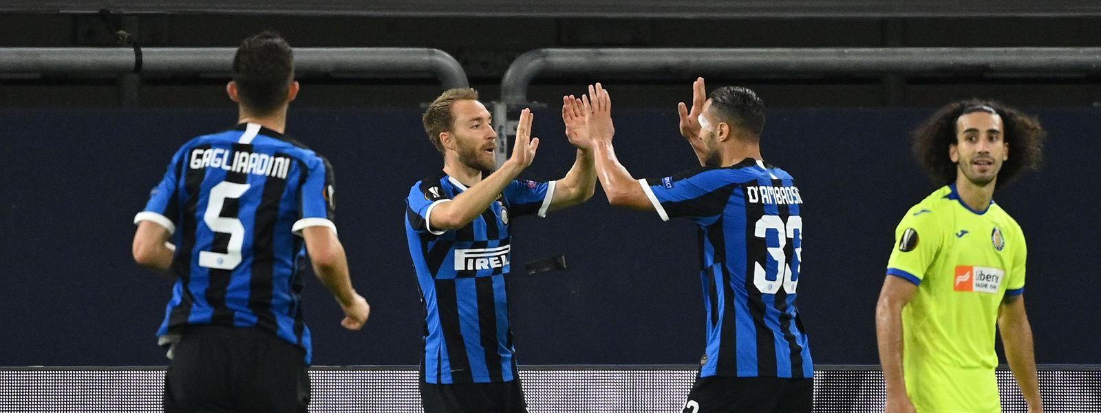 Christian Eriksen und Danilo d'Ambrosio (r.) gewinnen mit Inter Mailand gegen Getafe.