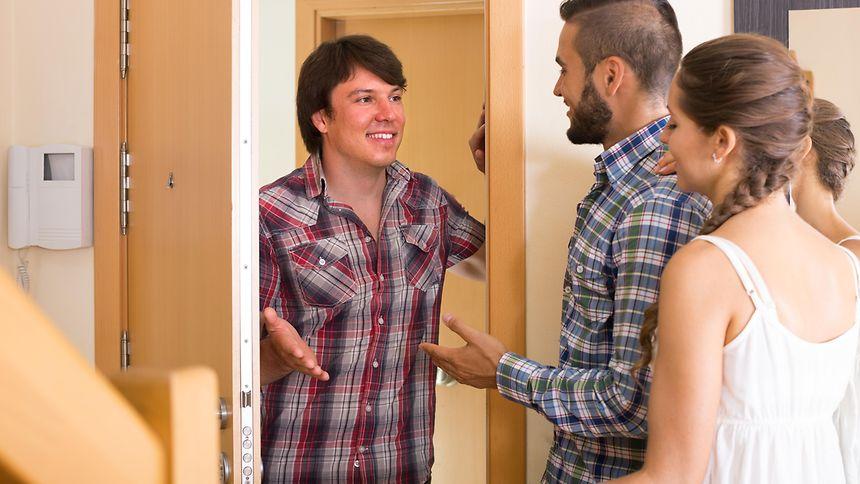 """Der Mietvertrag kann untersagen, dass eine Person dauerhaft """"zu Besuch"""" ist."""