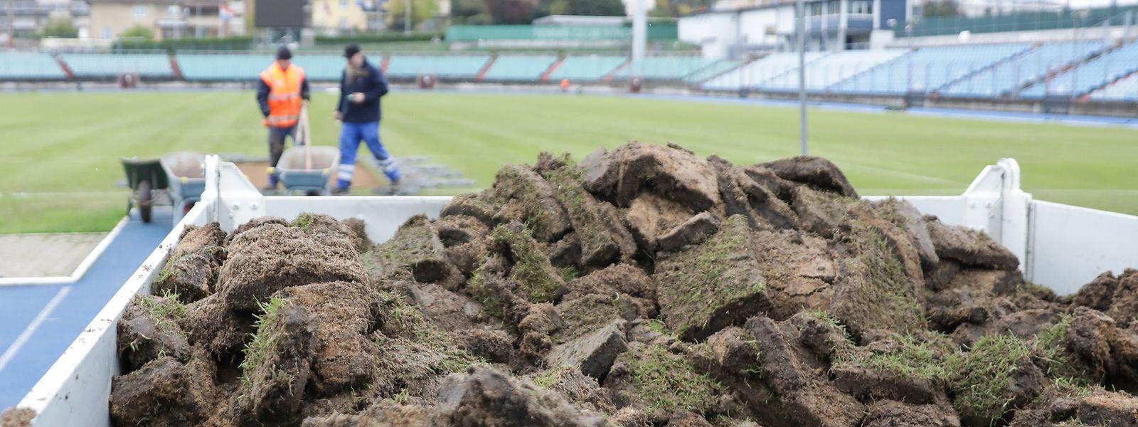 La rénovation de la pelouse du Josy Barthel fin novembre avait coûté 150.000 euros. Pour un match disputé...