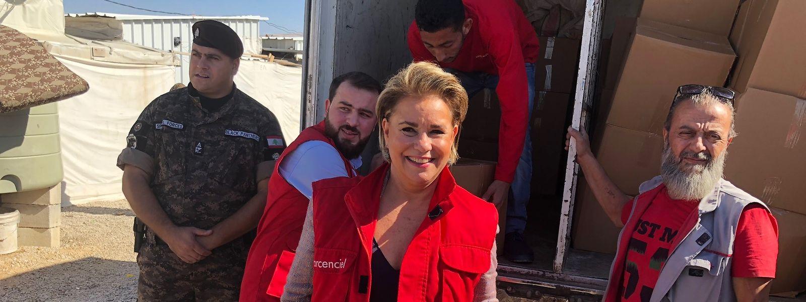 La Grande-Duchesse dans un camp de réfugiés au Liban.