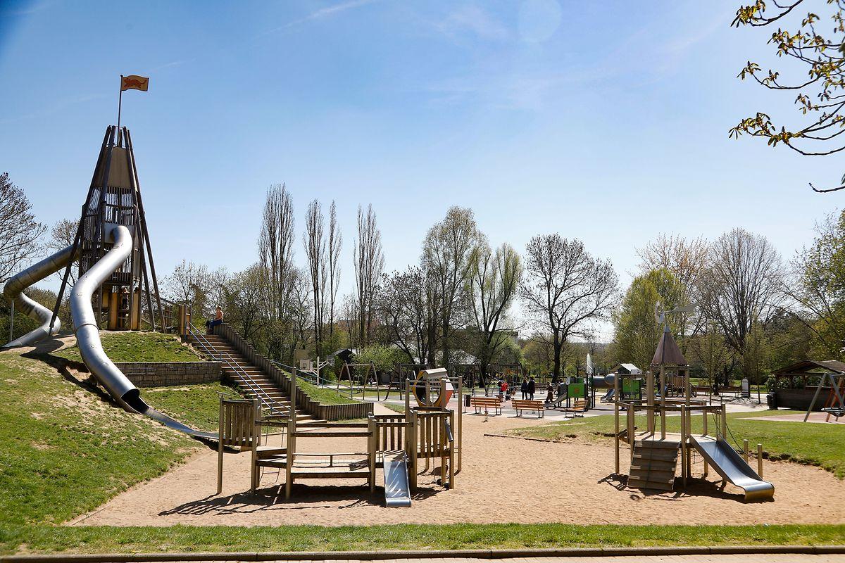 Ein Spielplatz, hier im Parc in Merl, bietet viele Möglichkeiten, um sich auszutoben.