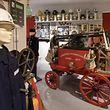 Helme, Uniformen und eine Wasserpumpe aus dem Jahr 1870 sind nur einige Exponate.