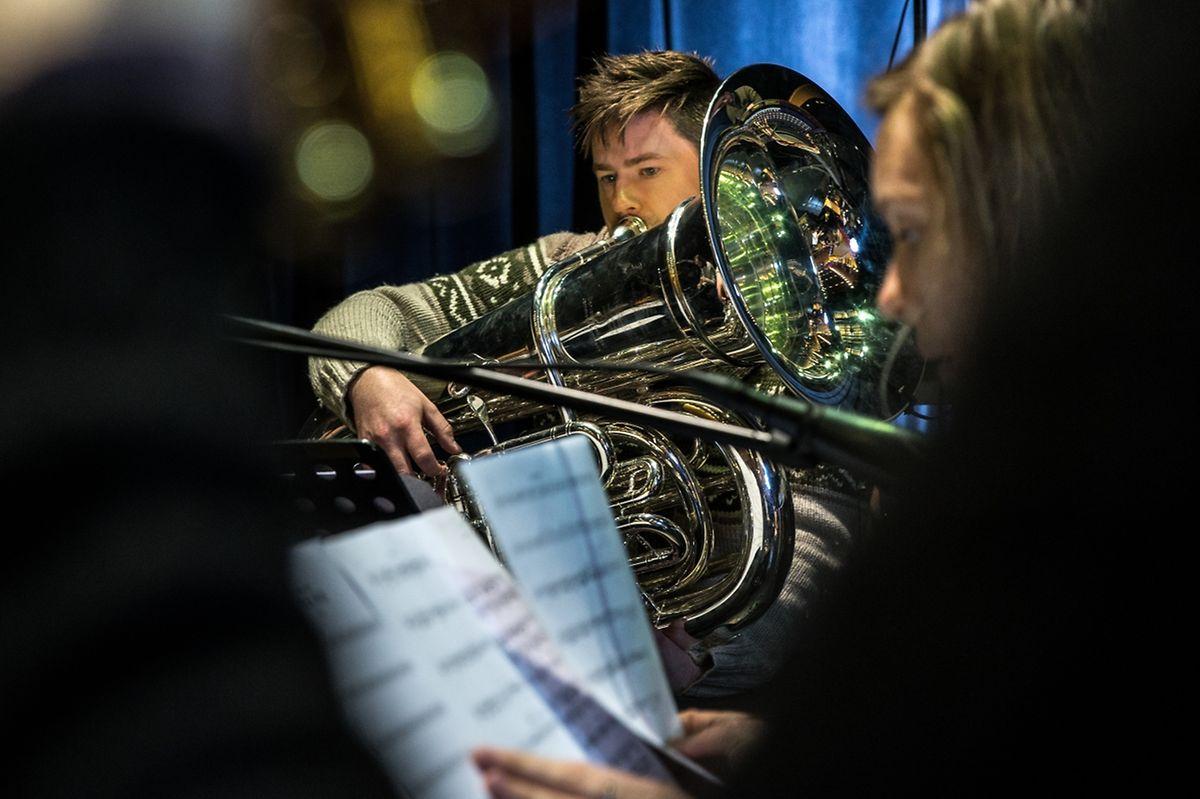 Der Norweger Daniel Herskedal entlockt aus der Tuba eine ungewohnte Klangbreite.