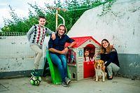 Reportagem sobre emigrantes que regressam do Luxemburgo para Portugal Familia de Helena e Pedro com os filhos Eduardo e Beatriz@Rodrigo Cabrita para Contacto