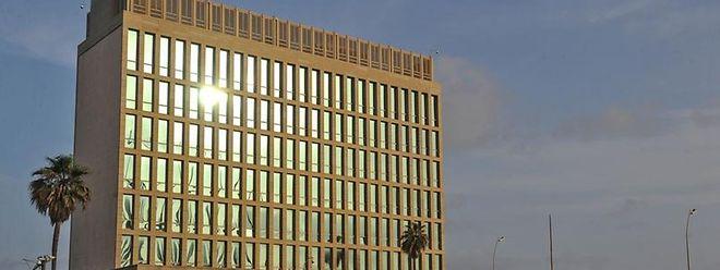 Le bloc de béton et de verre du boulevard de front de mer Malecon sera bien transformé en ambassade américaine.