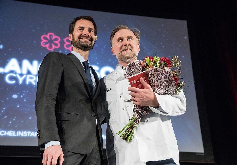 Momentos da cerimónia em que foram chamados ao palco os chefs Cyril Molard e Christophe Quentin.