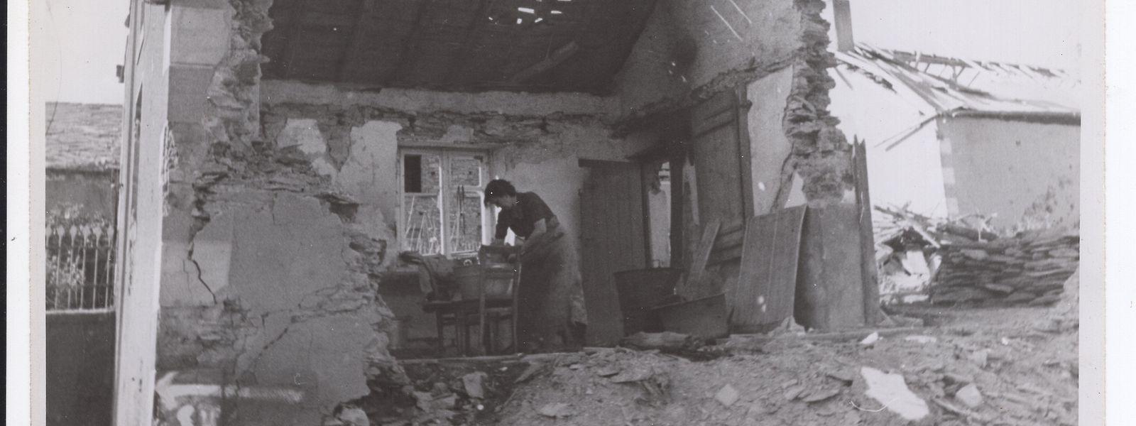 Viele Familien aus zerbombten Häusern, vor allem im Norden des Landes, brauchten nach Kriegsende Hilfe von Arbeitern aus dem Süden und von den Staatsarchitekten.