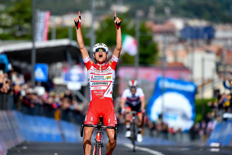 Fausto Masnada (I/Androni) gewinnt die sechste Etappe des Giro d'Italia.