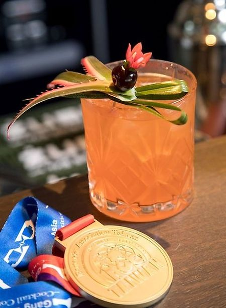 OFTD cocktail and the gold medal (Guy Jallay)