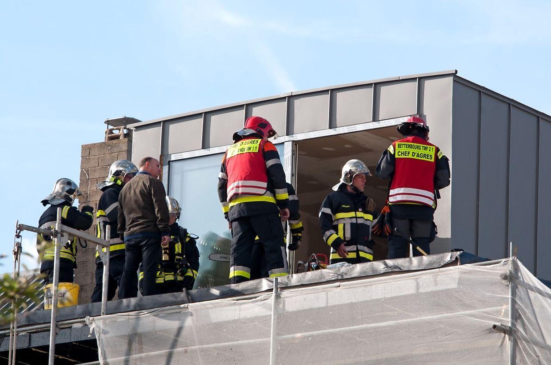 Im Dachgesoss war ein Sickerbrand ausgebrochen.