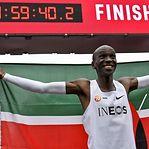 Recorde: Kipchoge correu a maratona em menos duas horas