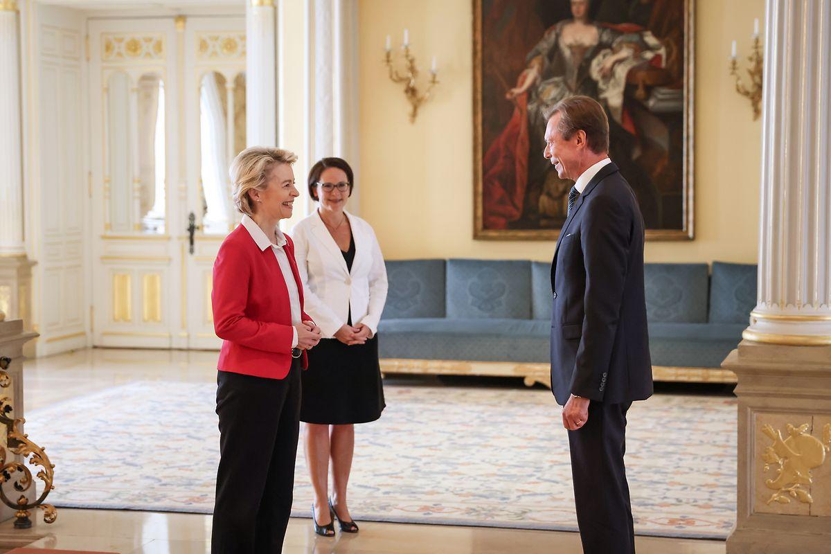Grund ihrer Visite ist unter anderem ein Hilfspaket von rund 750 Milliarden Euro.