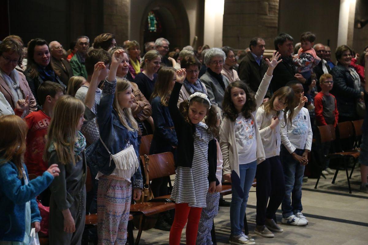 """Messe für die neuen Pfarreien: """" Atertdall Sainte-Claire """" (Ospern) & """" Rammerech Saint-Valentin """" (Rambrouch)."""