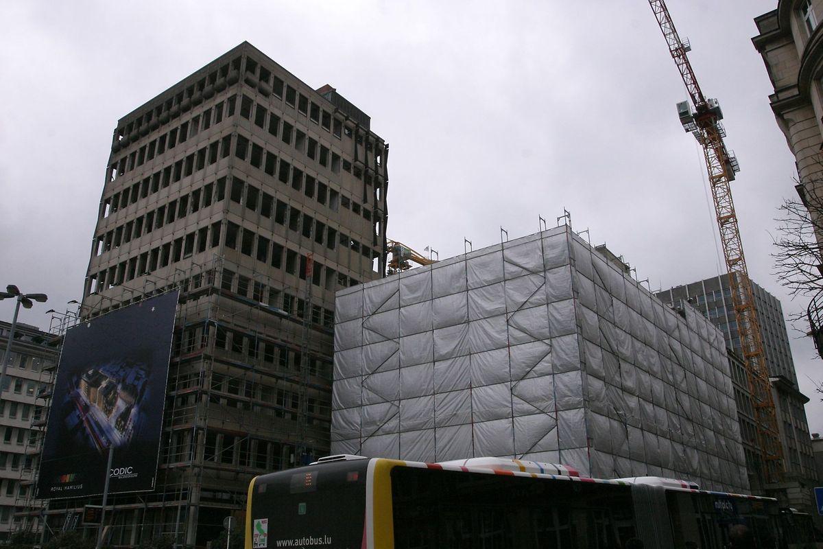C'est sur cet immeuble qu'ont démarré les travaux de démolition.