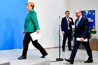 Angela Merkel (l.) geht zuversichtlich in ihre sicher erscheinende vierte Amtszeit, SPD-Chef Martin Schulz gibt den Juniorpartner. Es wäre die dritte große Koalition unter einer Kanzlerin Merkel.