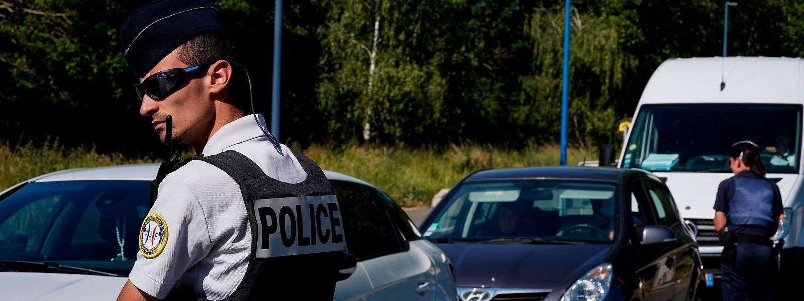 Les Belges désireux de se rendre en France pour y saluer leur famille ce week-end ont dû rebrousser chemin à la frontière