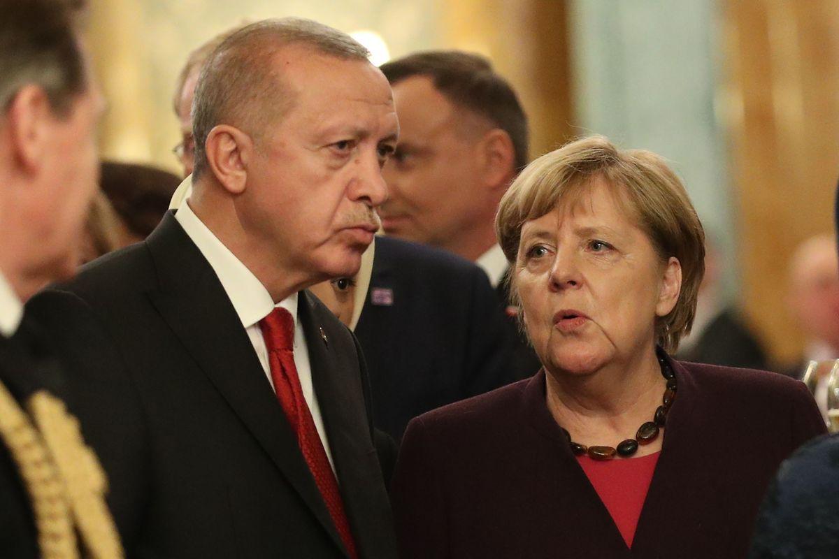Le président turc Recep Tayyip Erdogan (à g., ici au côté d'Angela Merkel) a estimé que le président français Emmanuel Macron est en «mort cérébrale». Ambiance, ambiance...
