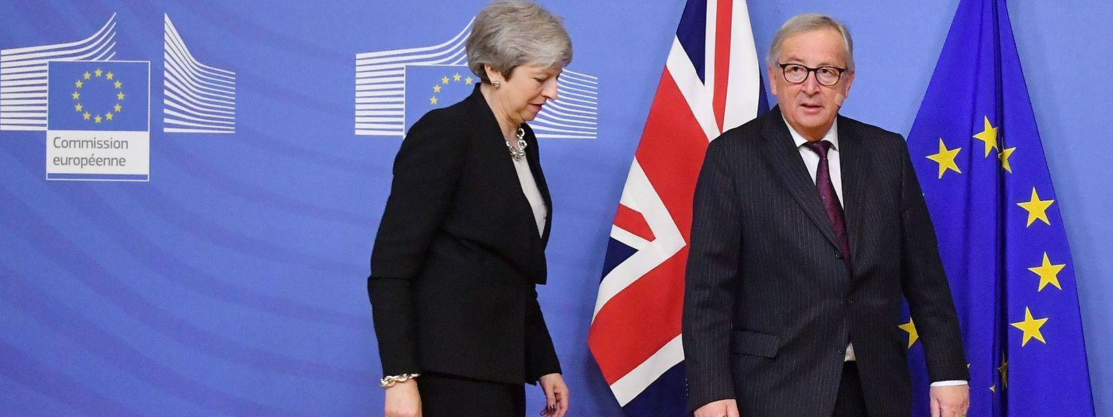 Le président de la Commission européenne Jean-Claude Juncker et la Première ministre britannique Theresa May se sont entretenus à Bruxelles mercredi.