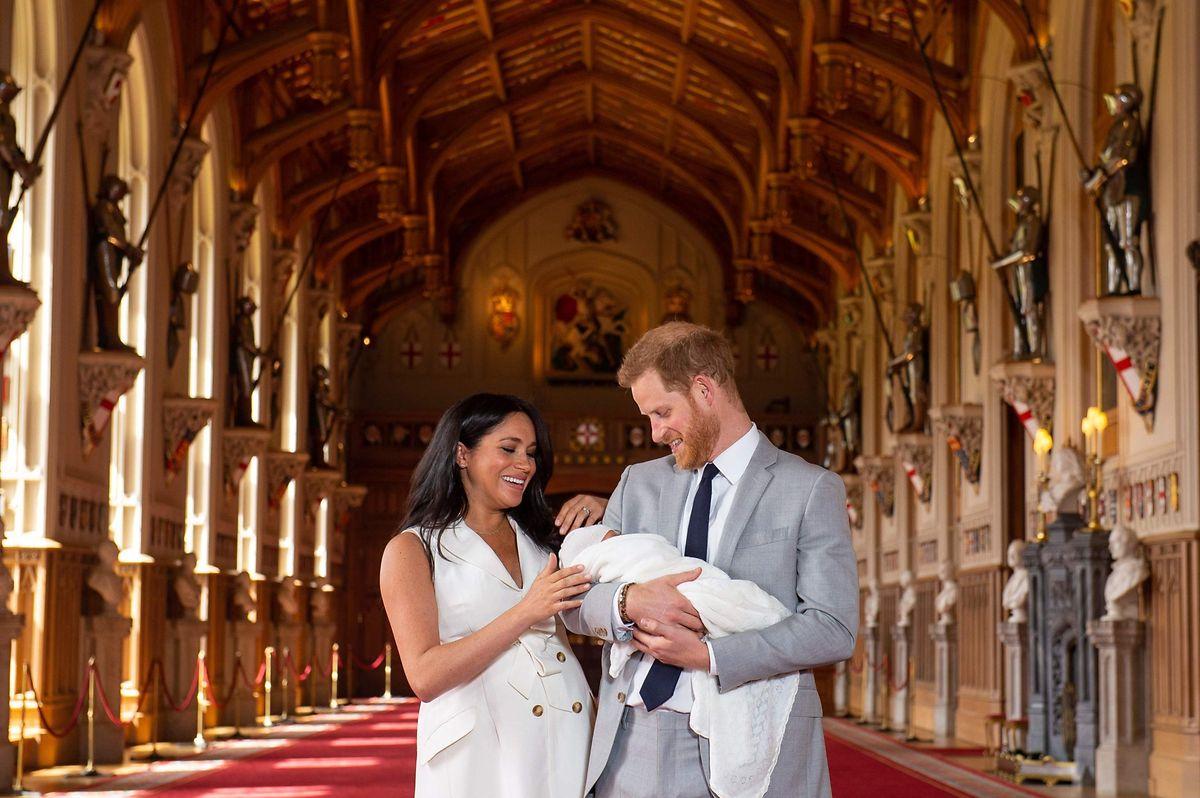 Harry und Meghan mit Archie kurz nach seiner Geburt am 8. Mai 2019.