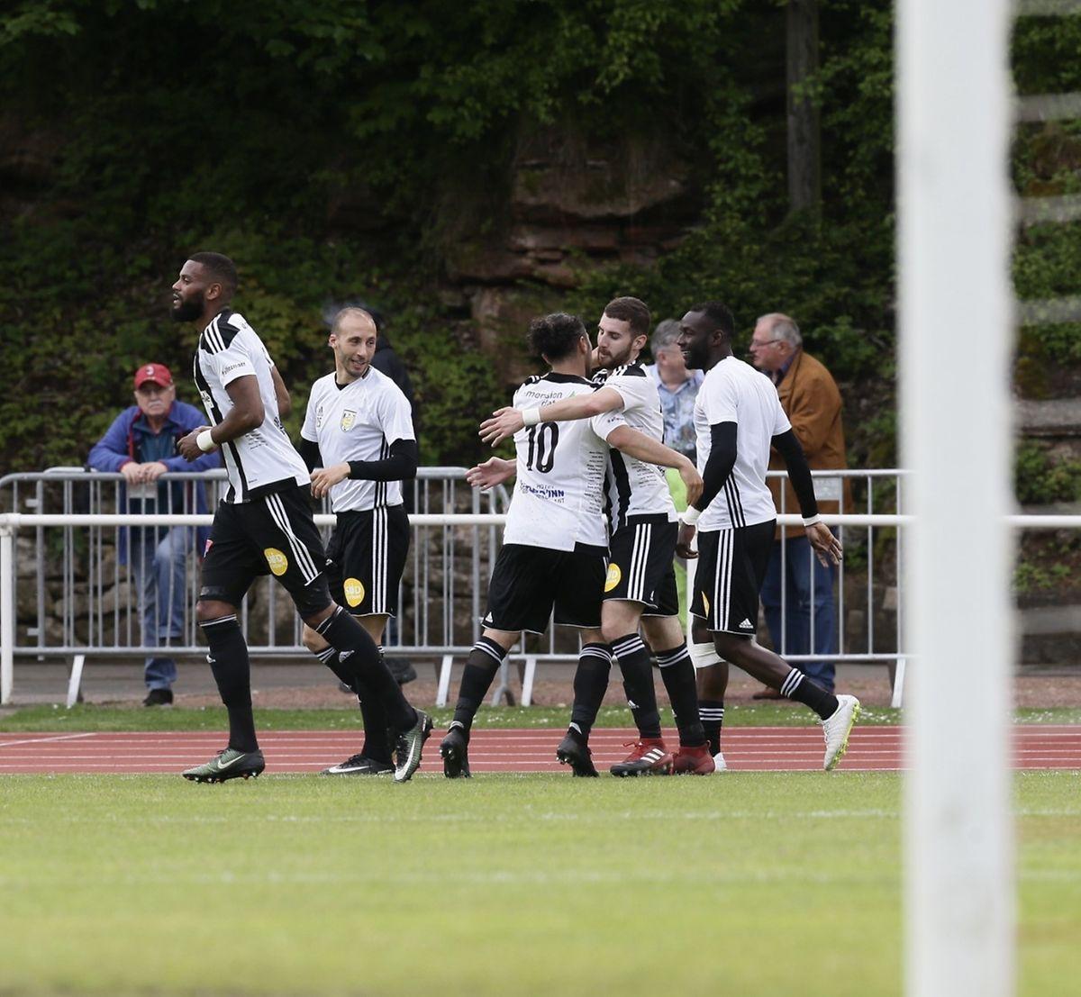 Les Bianconeri savourent leur plantureux succès au Galgenberg.