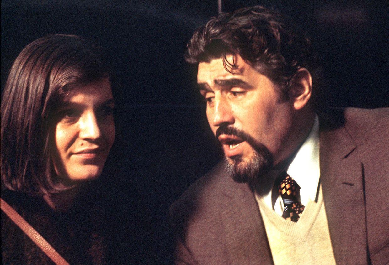 """Mario Adorf und Angela Winkler in """"Die verlorene Ehre der Katharina Blum""""."""