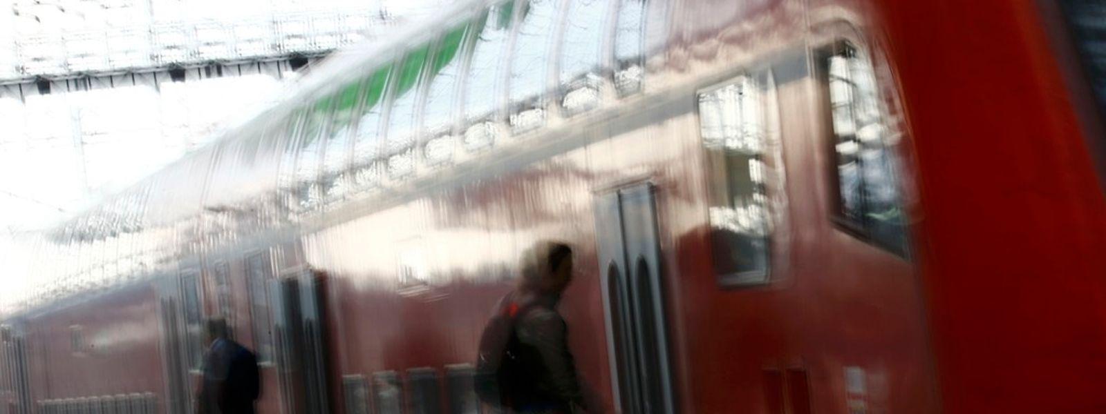 In Deutschland fielen am Donnerstagvormittag zwei Drittel der Fernzüge aus.