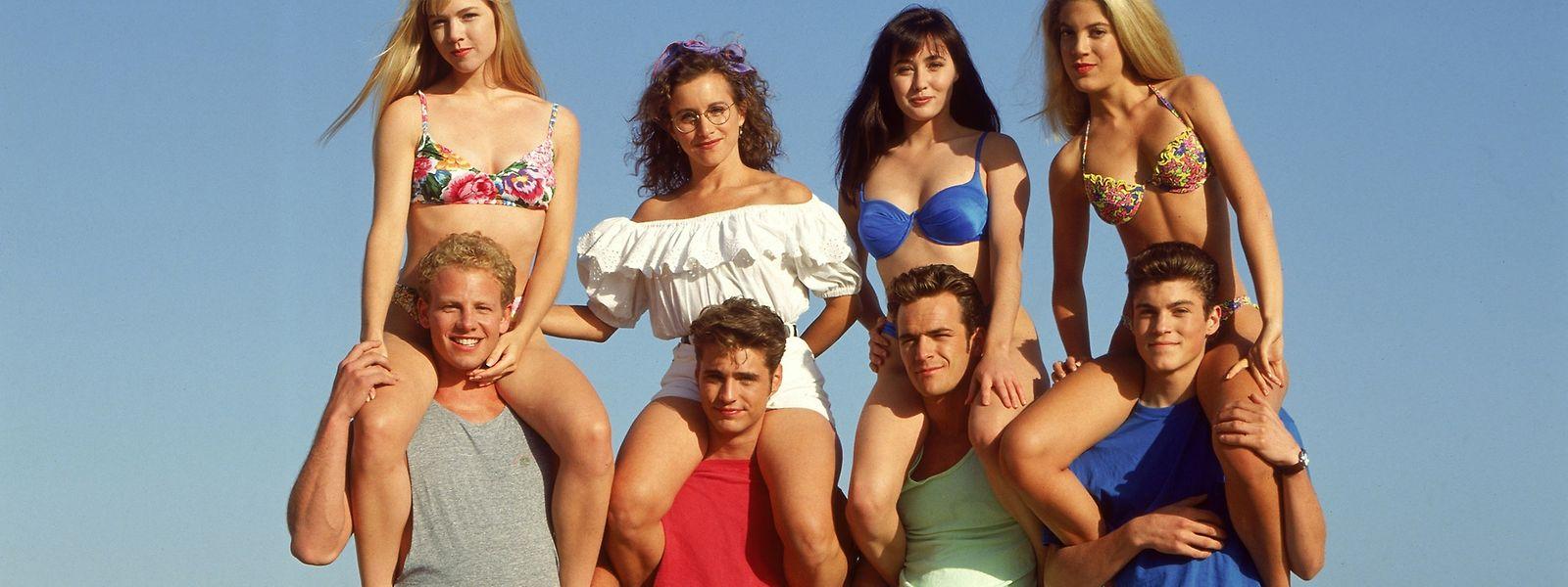 """Die Hauptdarsteller der erfolgreichen 90er-Jahre-Fernsehserie """"Beverly Hills, 90210"""": Ian Ziering, Jason Priestley, Luke Perry, Brian Austin Green (unten, v.l.). Von links, oben: Jennie Garth, Gabrielle Carteris, Shannen Doherty, Tori Spelling."""
