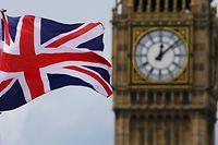 ARCHIV - 24.06.2016, Großbritannien, London: Eine britische Nationalflagge, der Union Jack, weht vor dem Uhrturm Big Ben. (zu dpa-Berichterstattung zum Brexit am 17.01.2019)) Foto: Michael Kappeler/dpa +++ dpa-Bildfunk +++