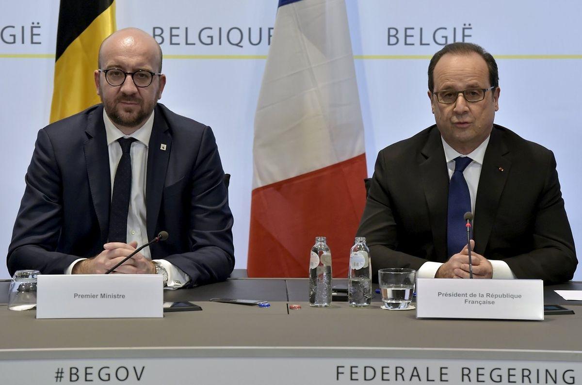 Belgiens Premierminister Charles Michel (l.) und Frankreichs Präsident François Hollande gaben am Freitagabend die Festnahme von Salah Abdeslam bekannt.