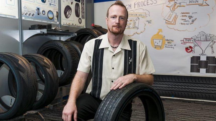 Die Reifen der Zukunft sind intelligent. Industriedesigner Sébastien Fontaine entwickelt sie mit.