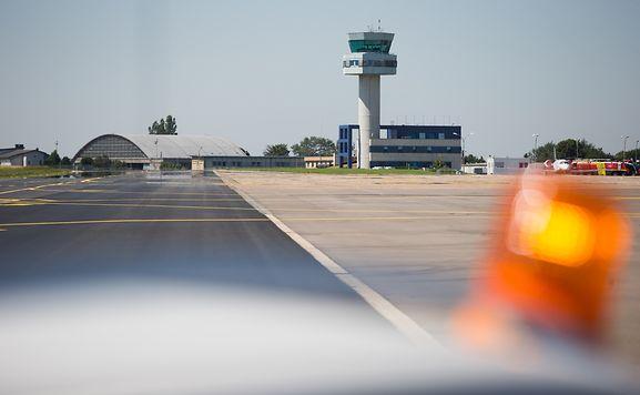 Vor der nächsten Schlichtungssitzung am Freitag ziehen Personalvertreter der Flughafenverwaltung (ANA) die Objektivität und Unbefangenheit zweier hoher Ministerialbeamter in Zweifel.