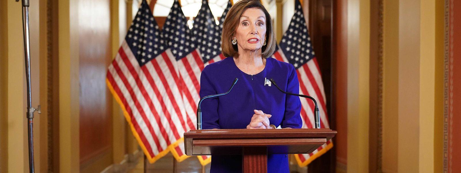 La présidente démocrate de la chambre basse, Nancy Pelosi a annoncé l'ouverture d'une enquête officielle en vue d'une procédure de destitution du président Trump