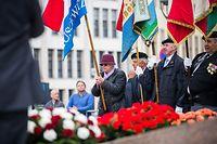 Journée de la commémoration nationale - Dépôt de fleurs devant le monument du Souvenir (Gëlle Fra), Foto Lex Kleren