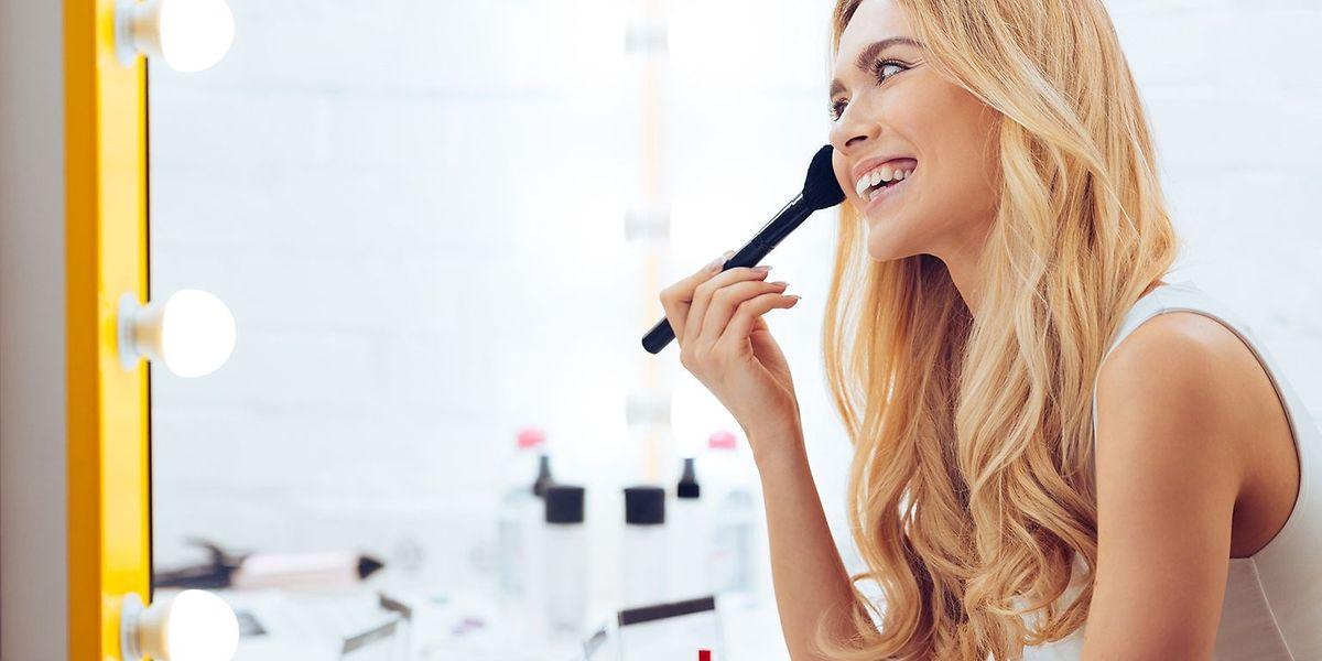 Il existe des méthodes moins radicales et plus abordables que le maquillage semi-permanent.