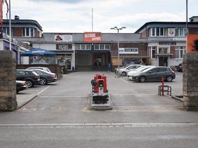 Der Mordversuch fand am Eingang dieses Parkplatzes in Rue de Hollerich statt.